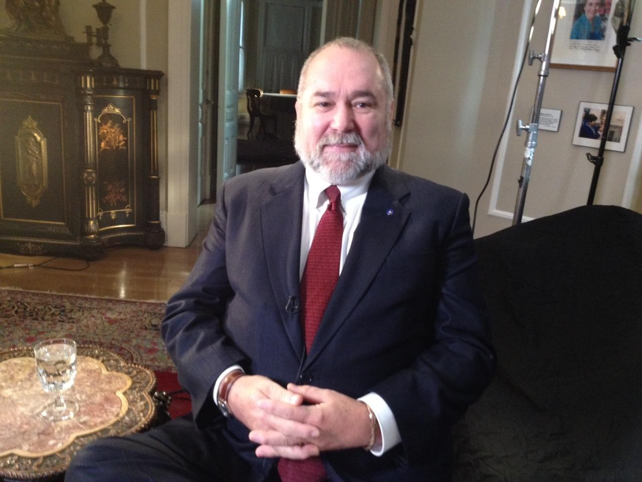 Robert David Steele Vivas Net Worth